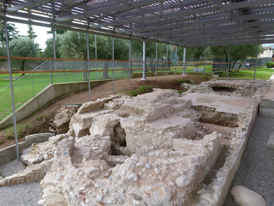 "The ""Nonii Arrii"" Roman Villa"
